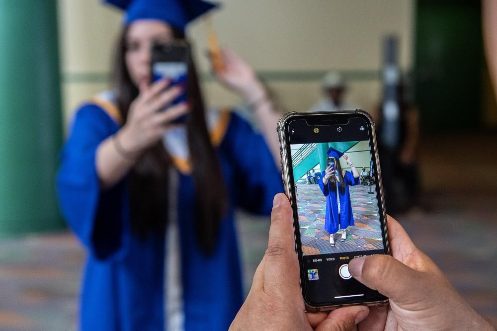 201906xxg_nws_graduation_Eastern Guilford